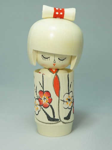 Kokeshi White Flowers
