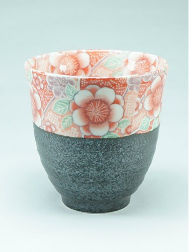 Black tea cup with flowers Hana Yuuzen