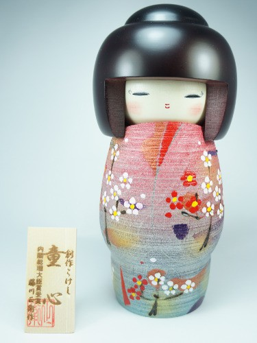 Grande Kokeshi Fleurs Doushin